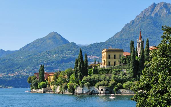 Продажа дорогих вилл в Неаполь в первой линии